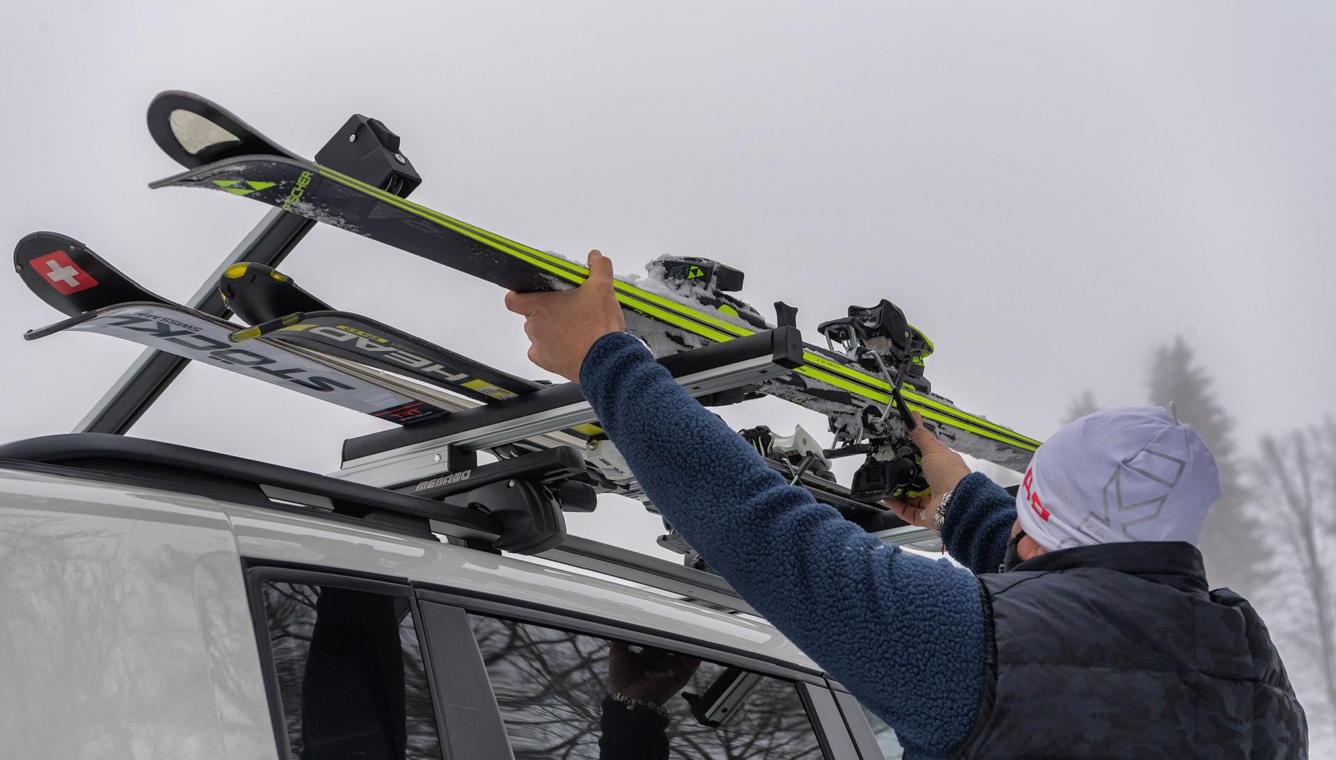 Porte-skis pour barres de toit